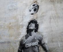 Maradona, una vita tra trionfi e cadute