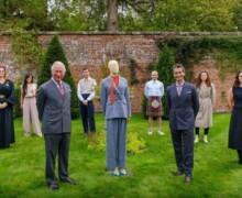 """Il principe Carlo diventa """"startupper"""" e lancia una collezione di moda sostenibile"""