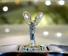Addio alla statuetta illuminata Rolls-Royce: crea inquinamento luminoso